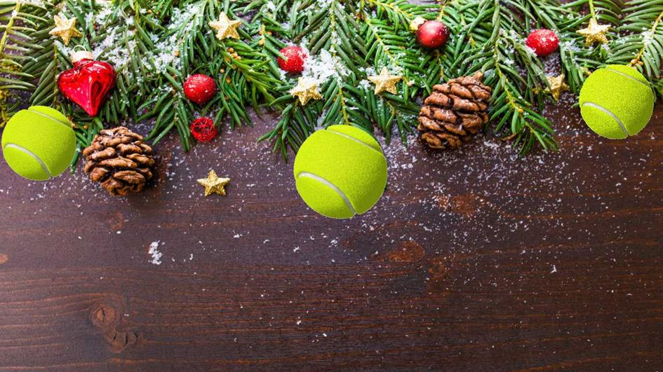 Xmas pic with tennis baubles.jpg